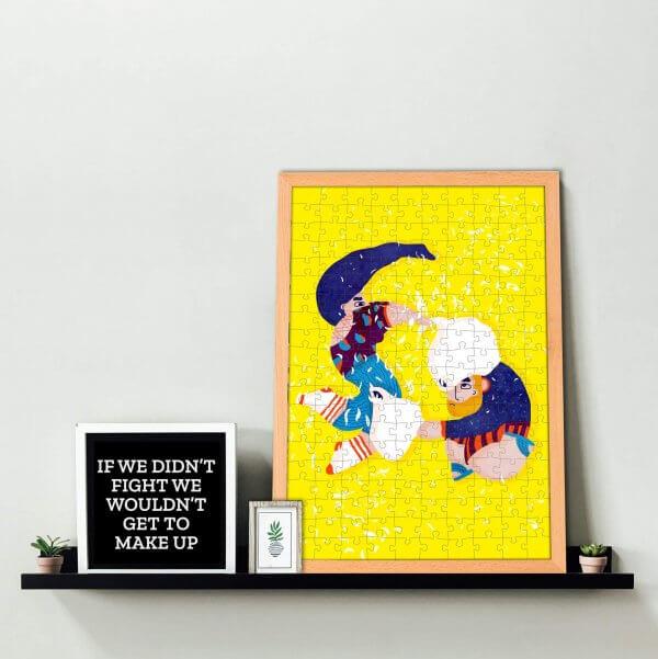Aandrea Dobrin Dinu Summerkid studio This is war puzzle Pucle v drevenom ráme ako bytová dekorácia
